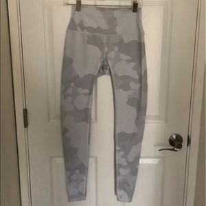 ALO CAMO LEGGINGS